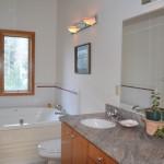 evergreen-bathroom2_1650